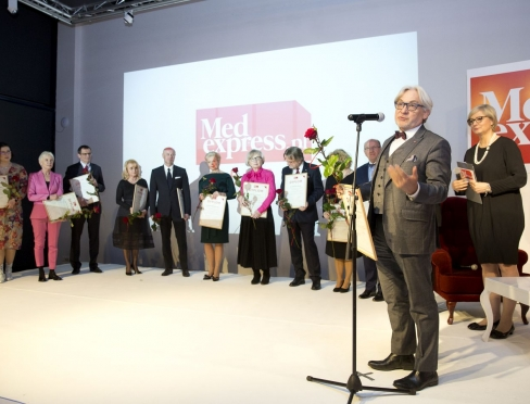 Vice-Rector for Collegium Medicum prof. dr hab. n. med. Wojciech Maksymowicz in the group of laureates of the special prize for outstanding representatives of health care